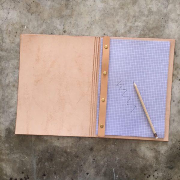A4 Cover - 4 hullet papir